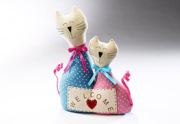 Türstopper-Katzenliebe-welcome-aus-Stoff-blau-rosa-befuellt-mit-sand