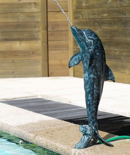 Wasserfountaine-Wasserspaier-Delphine-Bronzefigur