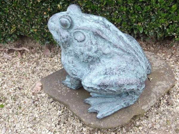 Wasserspaier Kröte aus Bronze