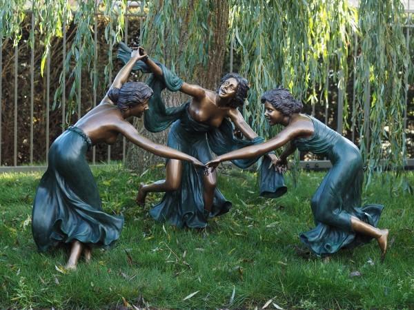 Drei tanzende Frauen | Akt Bronzefigur