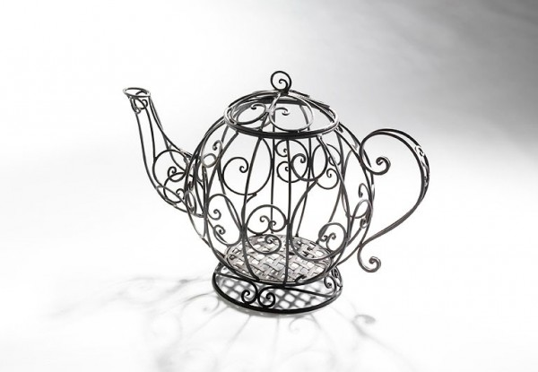 Luisa-Metall-Deko-Teekanne-für-Pflanzen