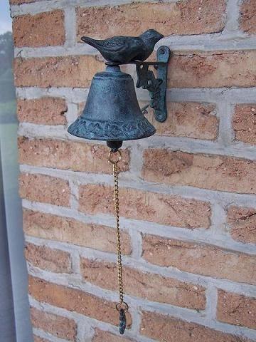 Bronze Glocke mit Vogelfigur
