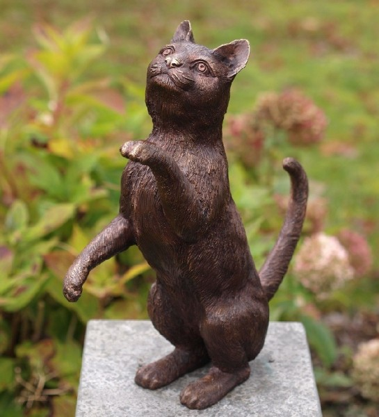 Katze aus Bronze