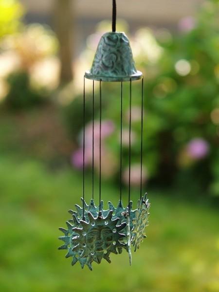 Windspiel aus Bronze | Sonnenmotiv